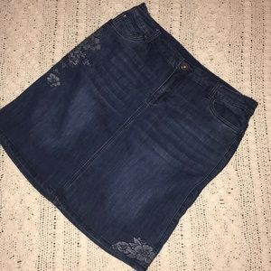 🔴 CJ Banks Dark Wash Denim Fully Lined Skirt